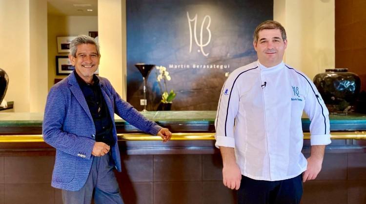 Erlantz Gorostiza, chef con dos estrellas Michelin; y Omar Santana, profesor de F&B del MBA de Turismo