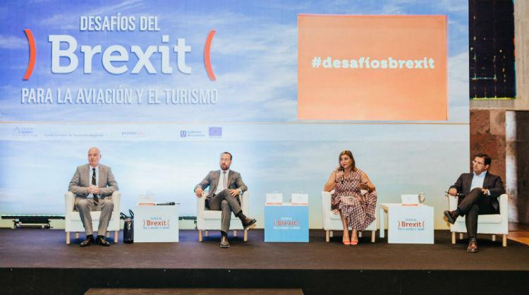 Participantes en las Jornadas 'Los desafíos del Brexit sobre la aviación y el turismo'