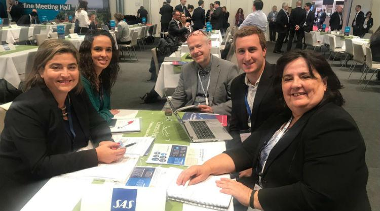 Equipo de Turismo de Canarias con representantes de SAS – Scandinavian Airlines en Routes Europe 2019 (Hannover)