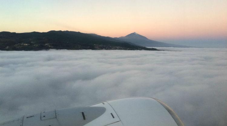 Avión en vuelo, Islas Canarias