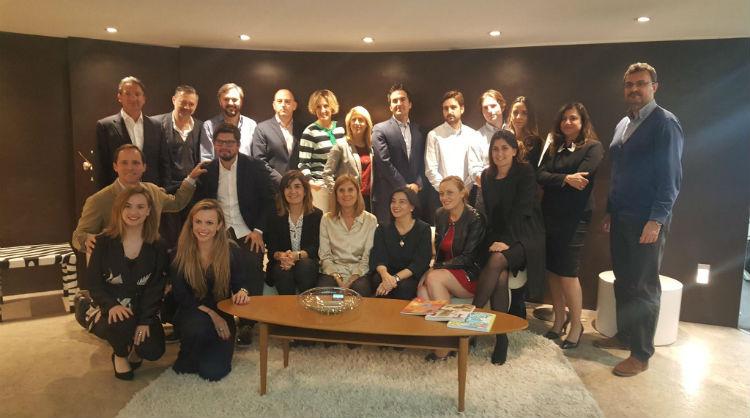 Jurado y ganadoras de Young Marketers 2017